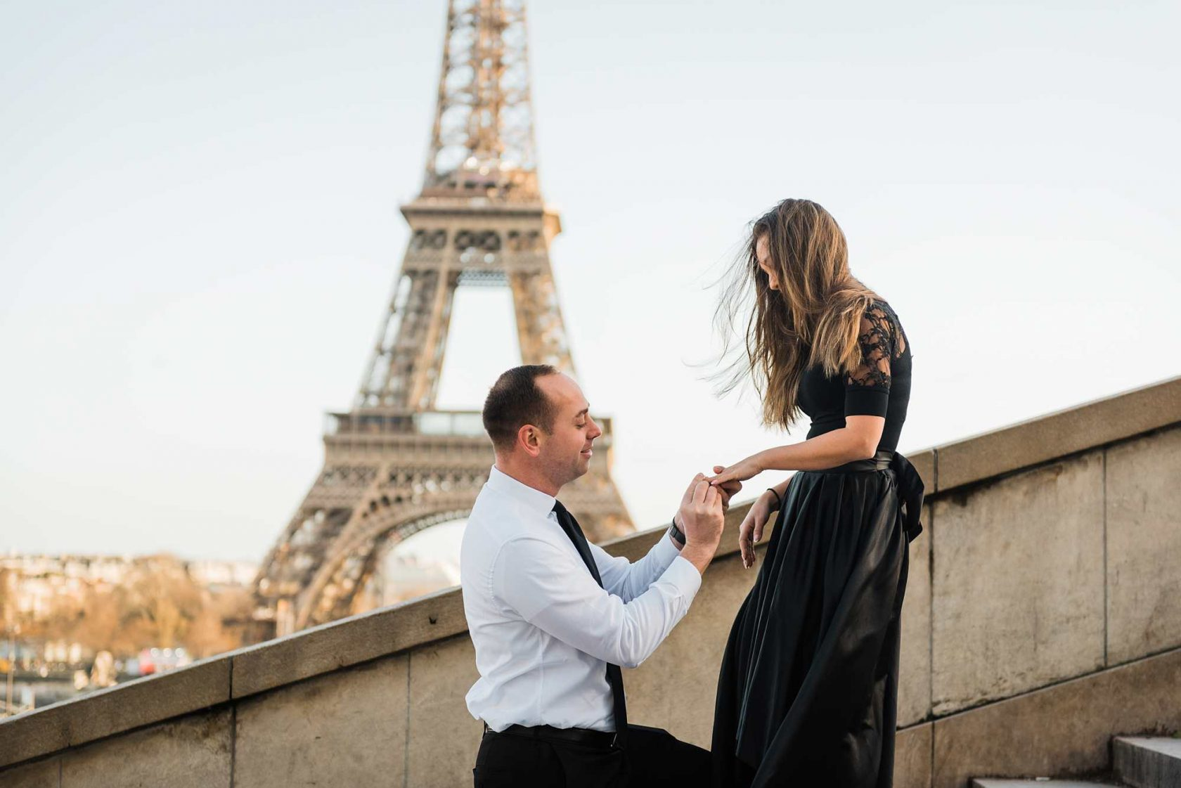 jennifer and yannick surprise proposal photo shoot in paris friday 13th